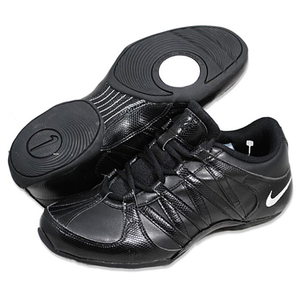 Nike Women's 'Musique IV' Black Athletic Shoes