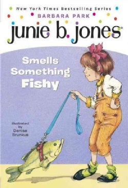 Junie B. Jones Smells Something Fishy (Paperback)