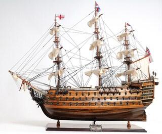 Old Modern Handicrafts HMS Victory Mid Size EE Model Ship