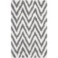 Hand-made Chevron Ivory/ Grey Shag Rug (2'6 x 4')