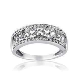 10k White Gold 1/4ct TDW Diamond Heart Ring (H-I, I1-I2)