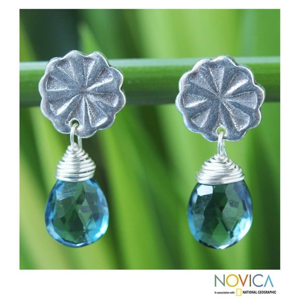 Sterling Silver 'Chiang Mai Daisy' Blue Topaz Earrings (Thailand)