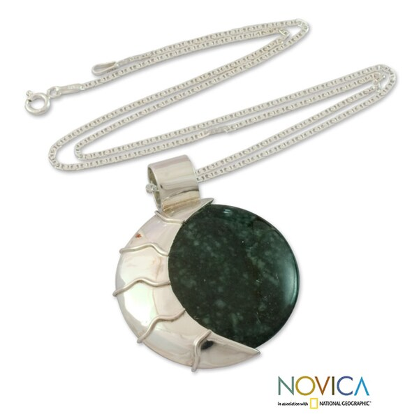 Sterling Silver 'Place of the Moon' Jade Bracelet (Guatemala) 10835068
