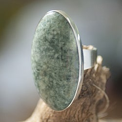 Handcrafted Sterling Silver 'Sixth Star' Jade Ring (Guatemala)