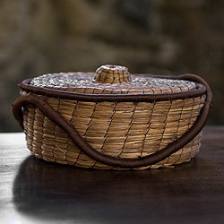 Handcrafted Pine Needle 'Chilasco Coffee' Basket (Guatemala)
