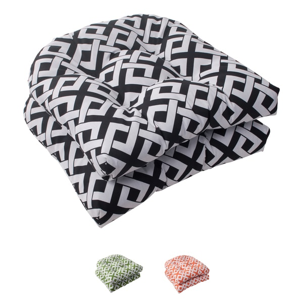 Pillow Perfect 'Boxin' Outdoor Wicker Seat Cushions (Set of 2)