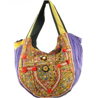 Handmade Indian Traditional Vintage Banjara Hobo Bag (India)