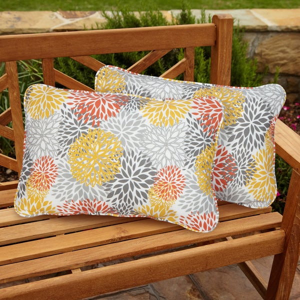 Tango Bloom Corded Indoor/ Outdoor Throw Pillows (Set of 2)