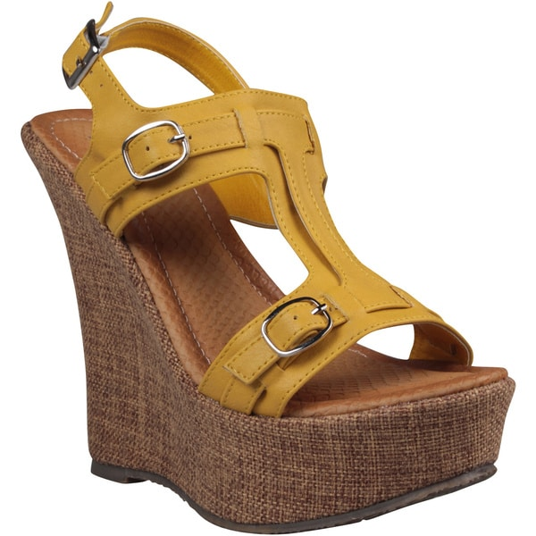Refresh by Beston Women's 'Fontini-6' Mustard Cut-out Vamp Wedge Sandals