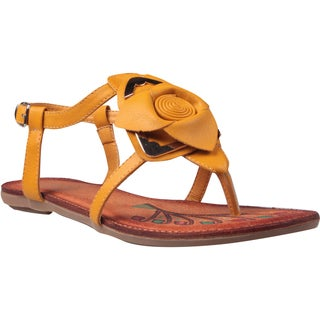 Refresh by Beston Women's 'Abina-02' Mustard Rose Vamp Sandals