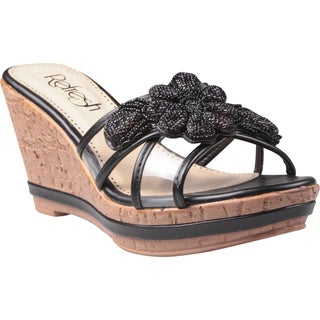 Refresh by Beston Women's 'Belle-01' Black Beaded Floral Wedge Sandals