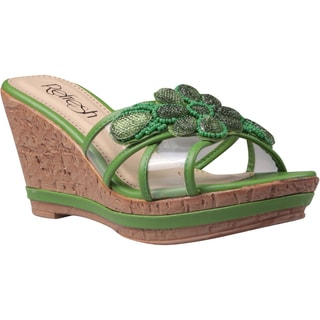 Refresh by Beston Women's 'Belle-01' Green Floral Applique Wedge Sandals