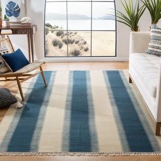 Safavieh Hand-woven Navajo Kilim Blue/ Ivory Wool Rug (8' x 10')