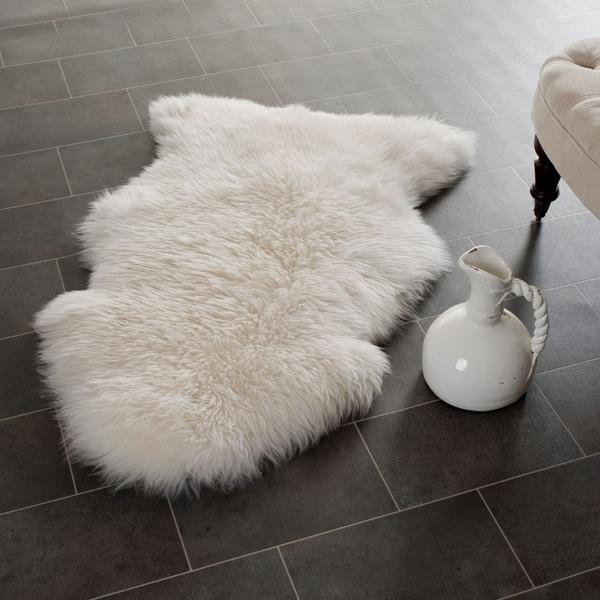 Safavieh Hand-woven Sheepskin White Rug (2' x 3')