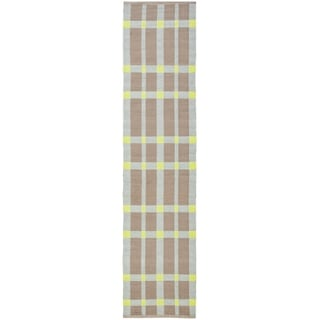 Thom Filicia Hand-woven Indoor/ Outdoor Lawn Green Rug (2' x 6')