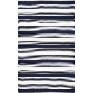 Thom Filicia Hand-woven Indoor/ Outdoor Navy Rug (8' x 10')