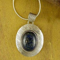 Sterling Silver 'Blue Mystery' Lapis Lazuli Necklace (India)