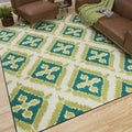 Indoor/Outdoor Floral Splash Rug (8' x 10')