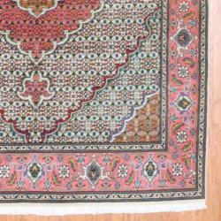 Persian Hand-knotted Tabriz Ivory/ Rose Wool/ Silk Rug (5'1 x 6'6)