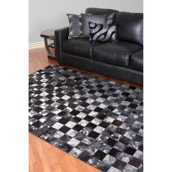 Hand-crafted Black Leather Animal Hide Geometric Squares Burr Rug (5' x 8')