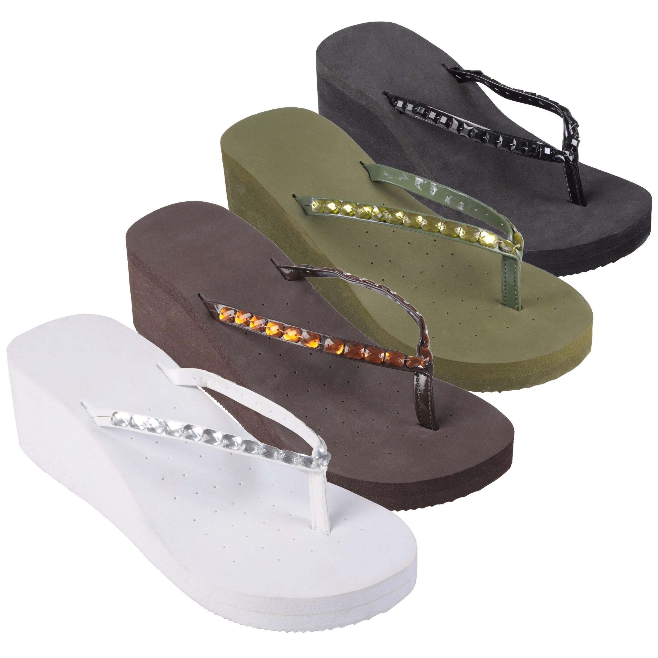 Journee Collection Womens 'GABRIELLE-5' Round Toe Platform Flip Flops
