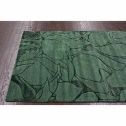 nuLOOM Handmade Bold Floral Green Wool Rug (7'6 x 9'6)
