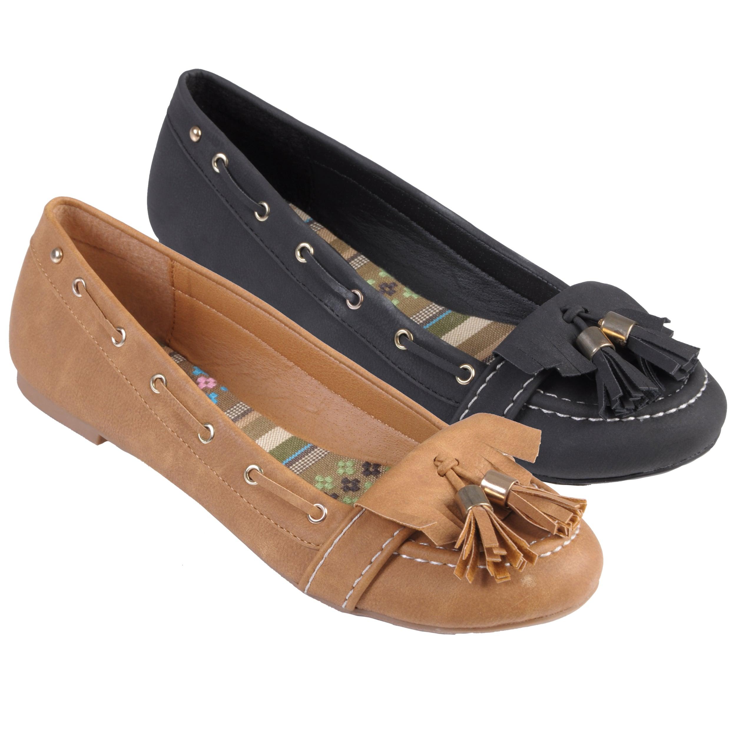 Journee Collection Women's 'SAPPHIRE-31' Tasseled Slip-on Flats