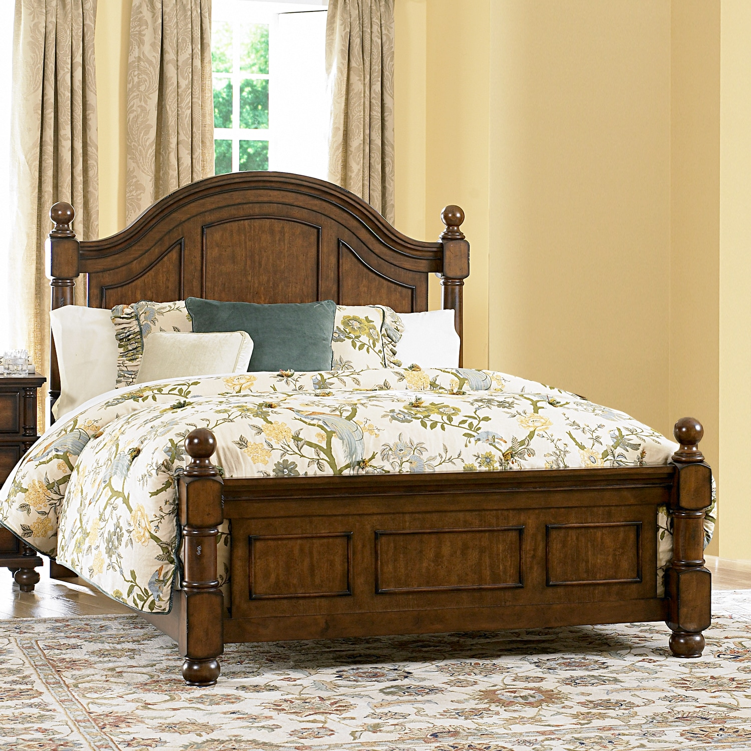 Kirkby Rich Burnished Pine Cannon Ball Country Queen-size Bed