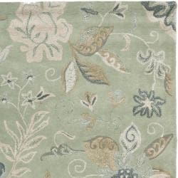 Handmade Botanical Gardens Light Green Wool Rug (8' x 10')