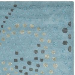 Handmade Journey Light Blue Wool Rug (5' x 8')