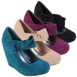 Journee Collection Women's 'Flortia-02' Suede Wedge Pumps