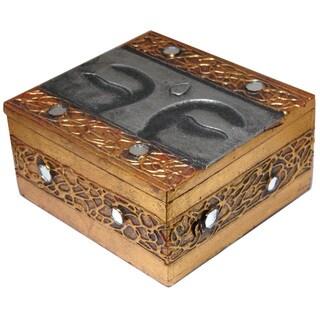 Handmade Goldtone/ Silvertone Buddha Eyes 6-inch Wooden Box