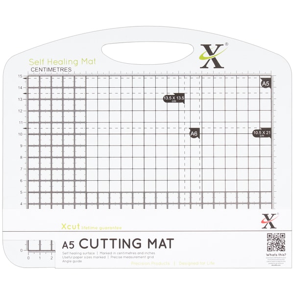"Xcut Duo Cutting Mat A5 210mm X 148mm (8.3""X5.8"")-Black & White"