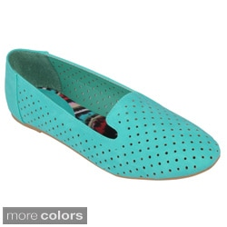 Journee Collection Women's 'Mendel-46' Round Toe Slip-on Flats