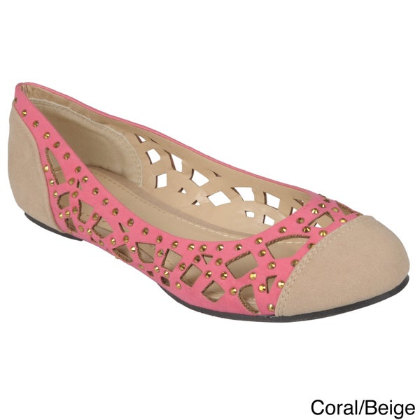 Journee Collection Women's 'Eileen-30' Cut-out Round Toe Flats