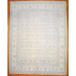 Afghan Hand-knotted Vegetable Dye Light Green/ Ivory Wool Rug (13'6 x 17'5)