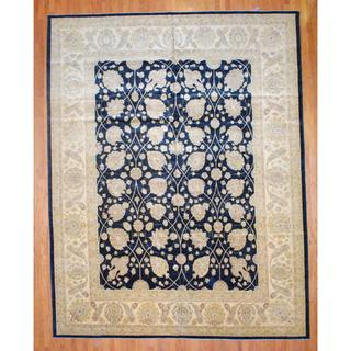 Afghan Hand-knotted Vegetable Dye Black/ Ivory Wool Rug (12'4 x 15')