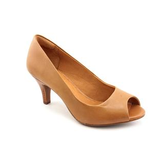 Clarks Women's 'Cynthia Avant' Leather Dress Shoes