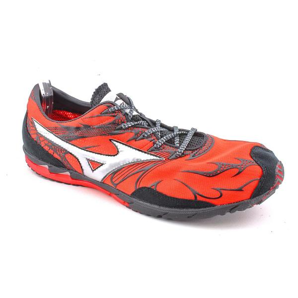 Mizuno Women's 'Wave Universe 4' Basic Textile Athletic Shoe - Wide (Size 11.5)