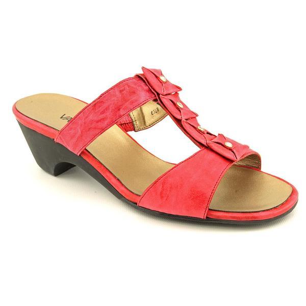 Vaneli Women's 'Nessie' Synthetic Sandals - Wide (Size 6)