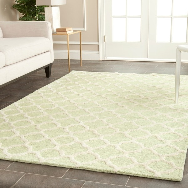 Safavieh Handmade Cambridge Moroccan Light Green Wool Area Rug (9' x 12')