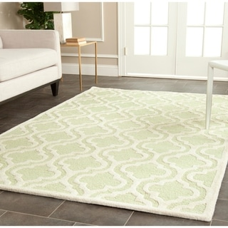 Safavieh Handmade Cambridge Moroccan Traditional Light Green Wool Rug (9' x 12')