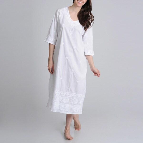 La Cera Women's Embroidered V-Neck Gown