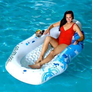 Aviva by RAVE Sports Breeze Pool Lounge