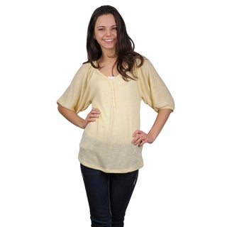 Journee Collection Juniors Lightweight Scoop Neck Top