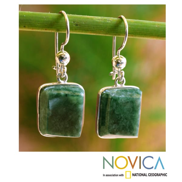 Handcrafted Sterling Silver 'Love Immortal' Jade Earrings (Guatemala)