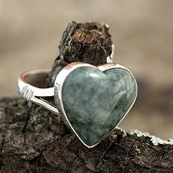 Handcrafted Sterling Silver 'Love Immemorial' Jade Ring (Guatemala)