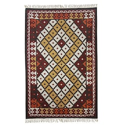 Hand-woven Wool 'Bold Diamond Zigzag' Maroon Rug (5 x 7'5) (India)