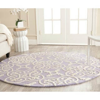 Safavieh Handmade Cambridge Moroccan Lavander Oriental-Pattern Wool Rug (6' Round)