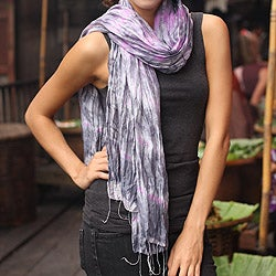 Handcrafted Rayon Silk 'Smoky Rose' Tie-dyed Scarf (Thailand)